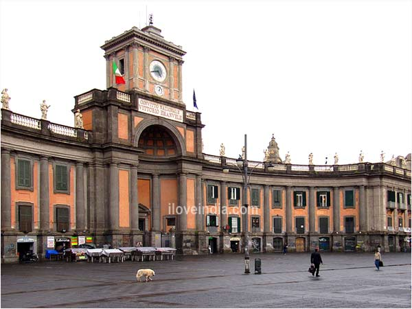 Piazza Dante, Naples